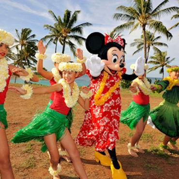 Hawaii hulas with mickey minnie.jpg