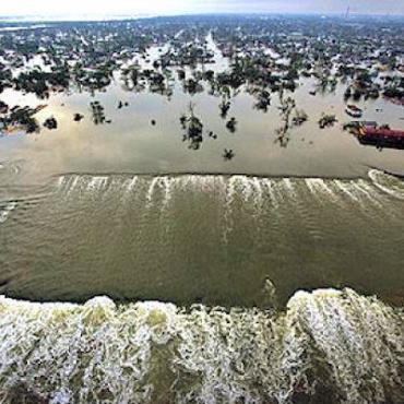 Hurricane Katrina flooding.jpg