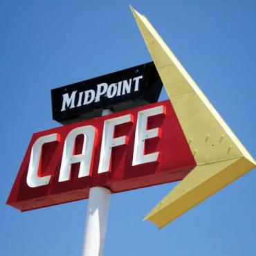 Route 66 midpoint cafe.JPG