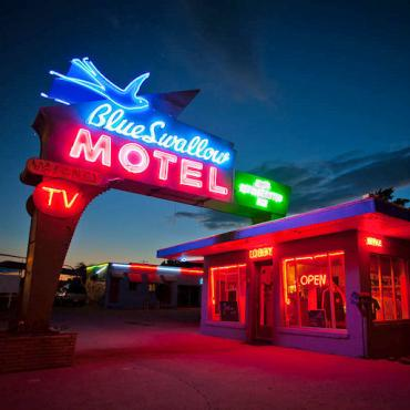 Rte 66 Blue Swallow Motel.jpg