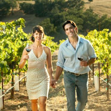 CA Paso Robles vingyard couple.jpg