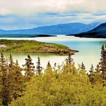 CAN YT Yukon_River_-c[1].jpg