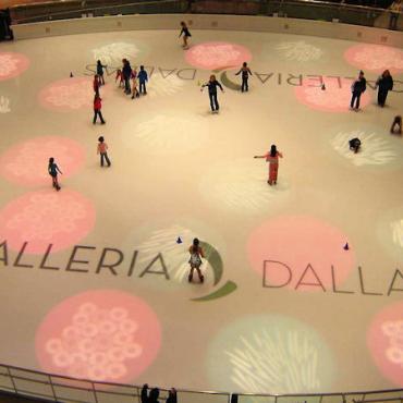 TX Dallas Galleria ice rink.jpg