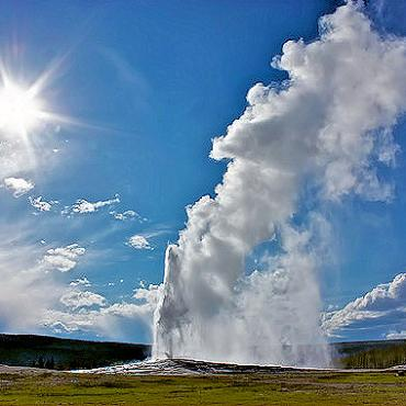Yellowstone old-faithful1[1].jpg